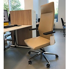 ProfiM Myturn executive chair - showroom sample