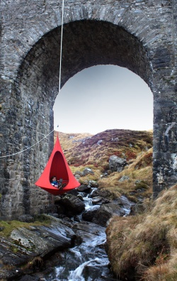 Cacoon red hanging chair
