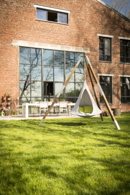 Cacoon white hanging chair