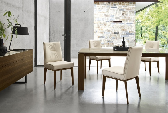 Romy dining chair