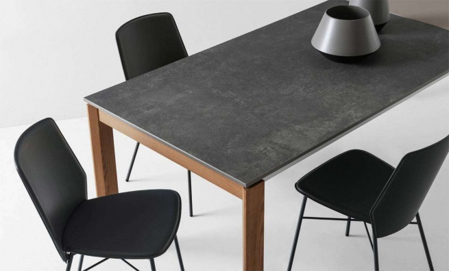 Eminence dining table
