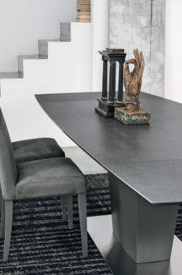 Copernico dining table
