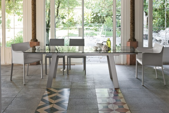 Giove dining table